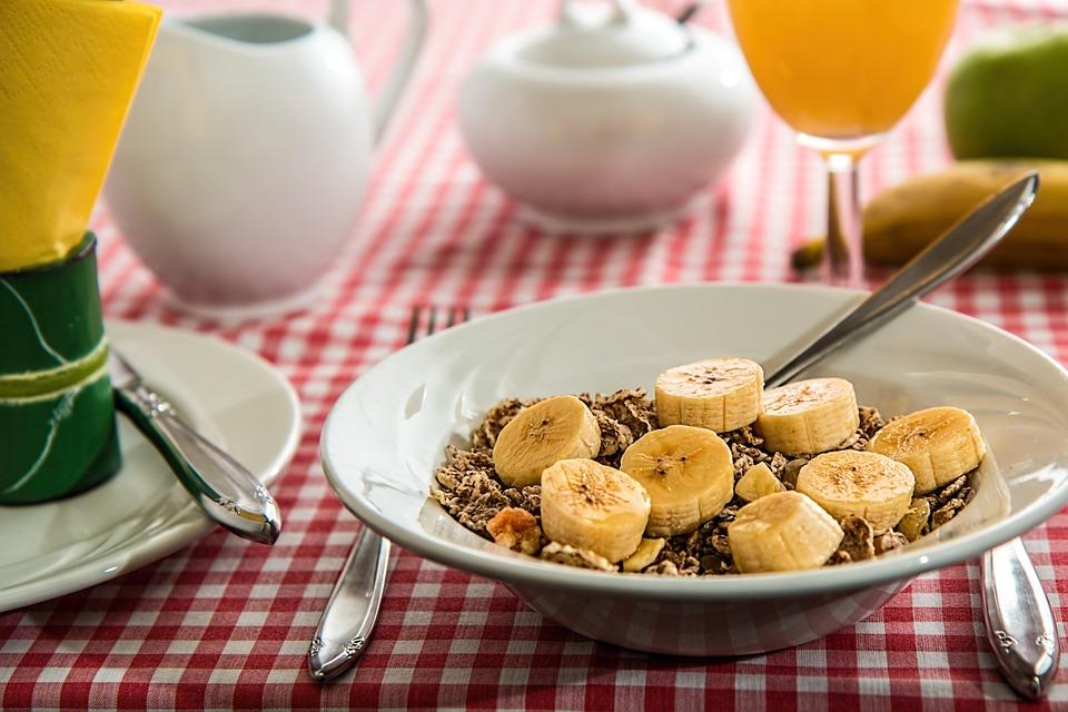 zajtrk z banano