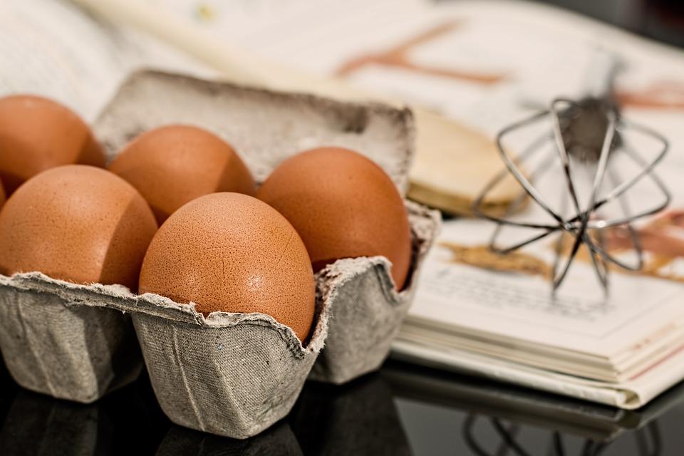 škatla jajc