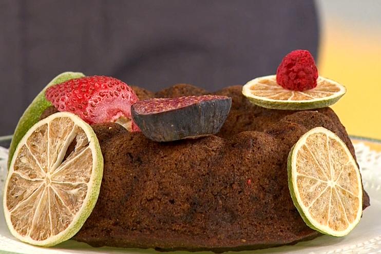 Veganski kolač brez glutena z banano in čokolado - Mateja Ulaga