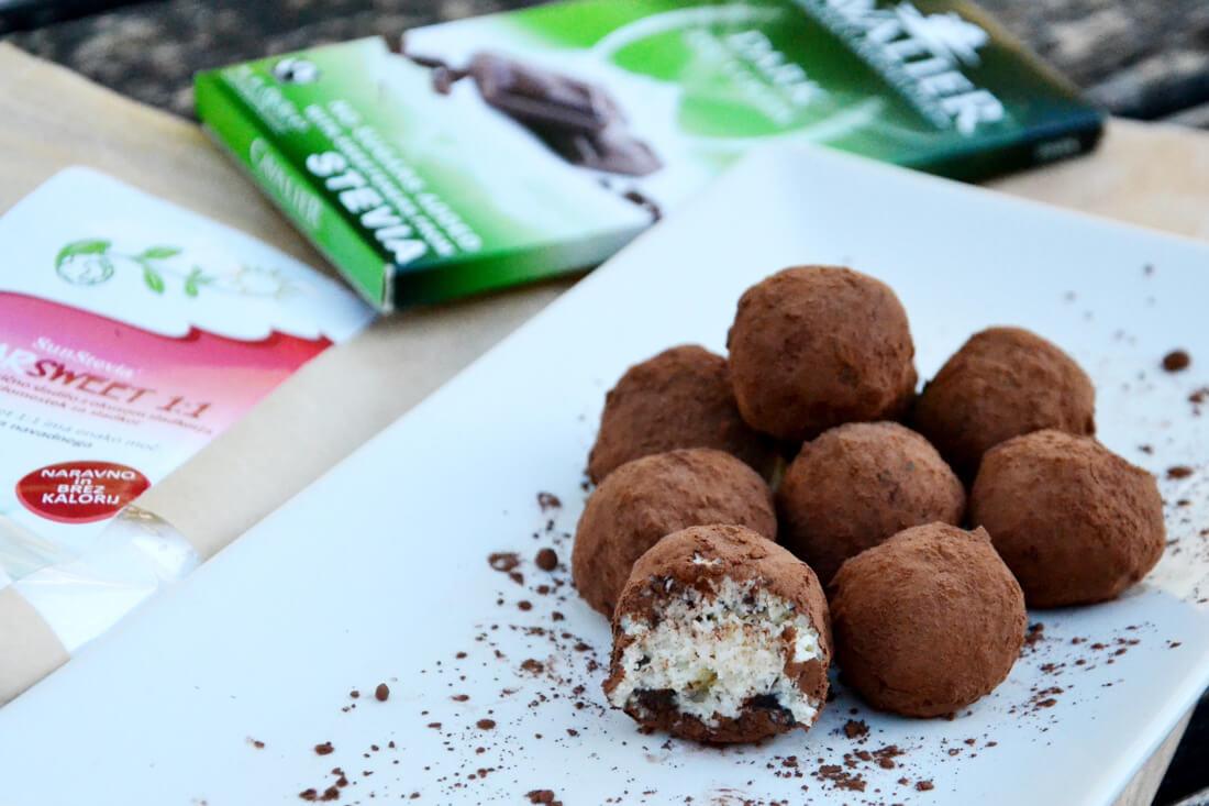 Mascarponejeve kroglice s koščki čokolade - recept